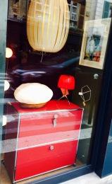 Odrè En'Ryll USM rouge vitrine